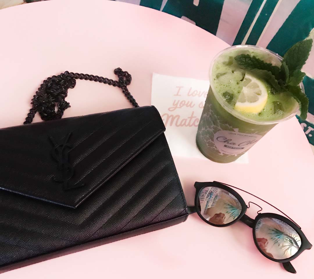 purse-pink-table-2