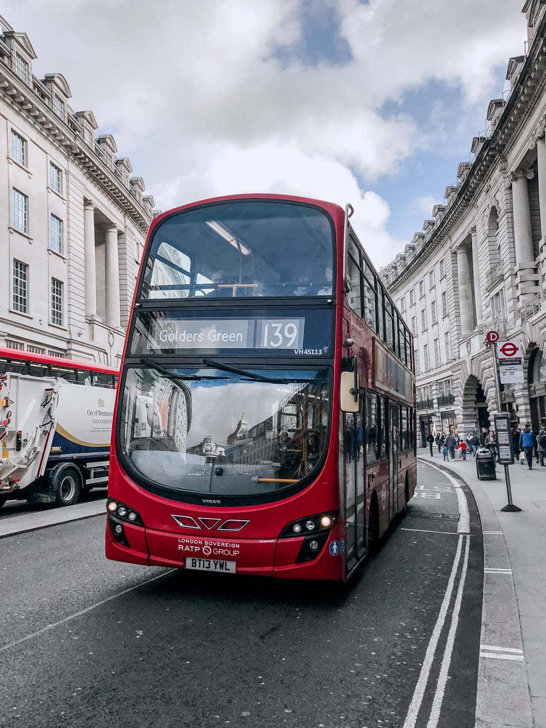 d1-LONDON2-double-decker
