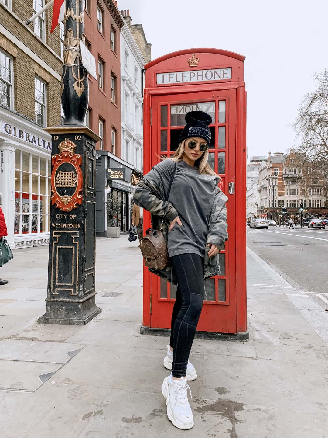 d2-lauren-phone-booth-beanie